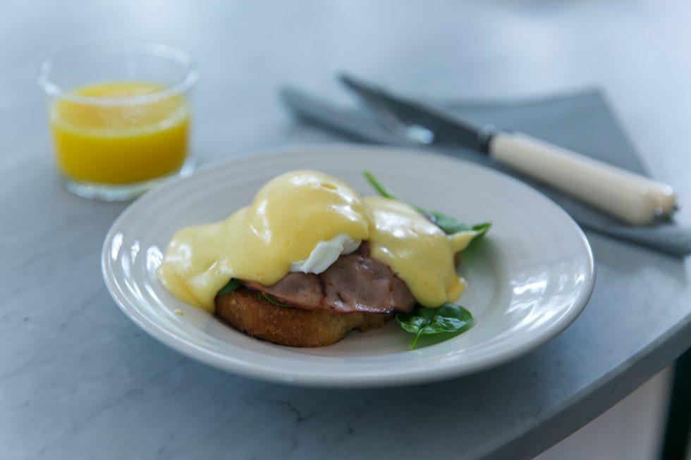 Eggs-Benedict