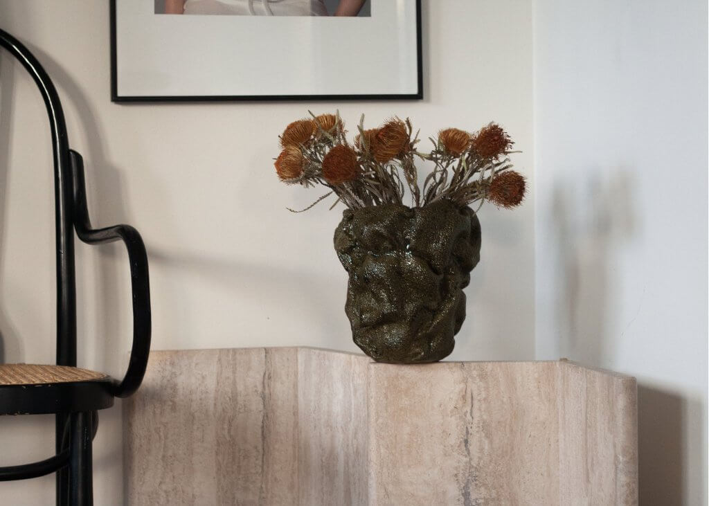 unique-home-decor-details-green-stoneware-vase-sofia-tufvasson-odem-atelier-odematelier.com