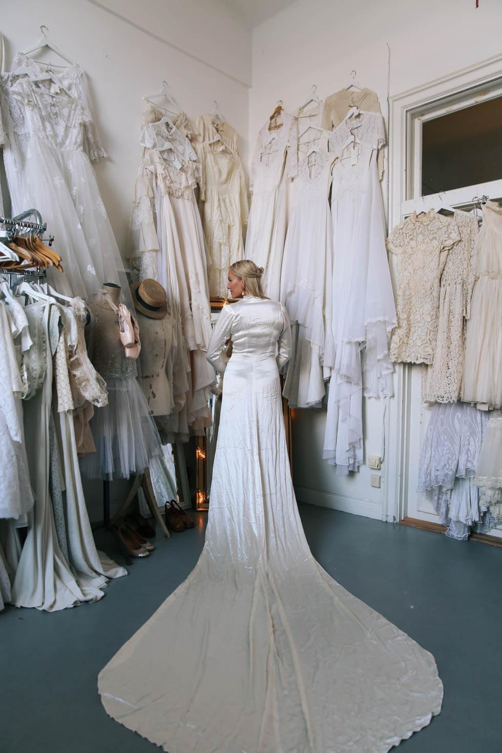 1d257b2edb5 Vintage bröllopsklänningar hos Elsa Billgren. - Petra Tungården