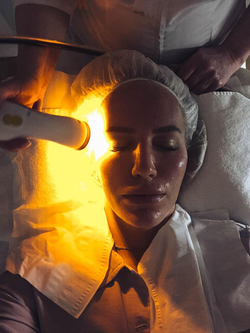 Microdermabrasion- Finslipa huden, damsug och bli kvitt grova porer._-10
