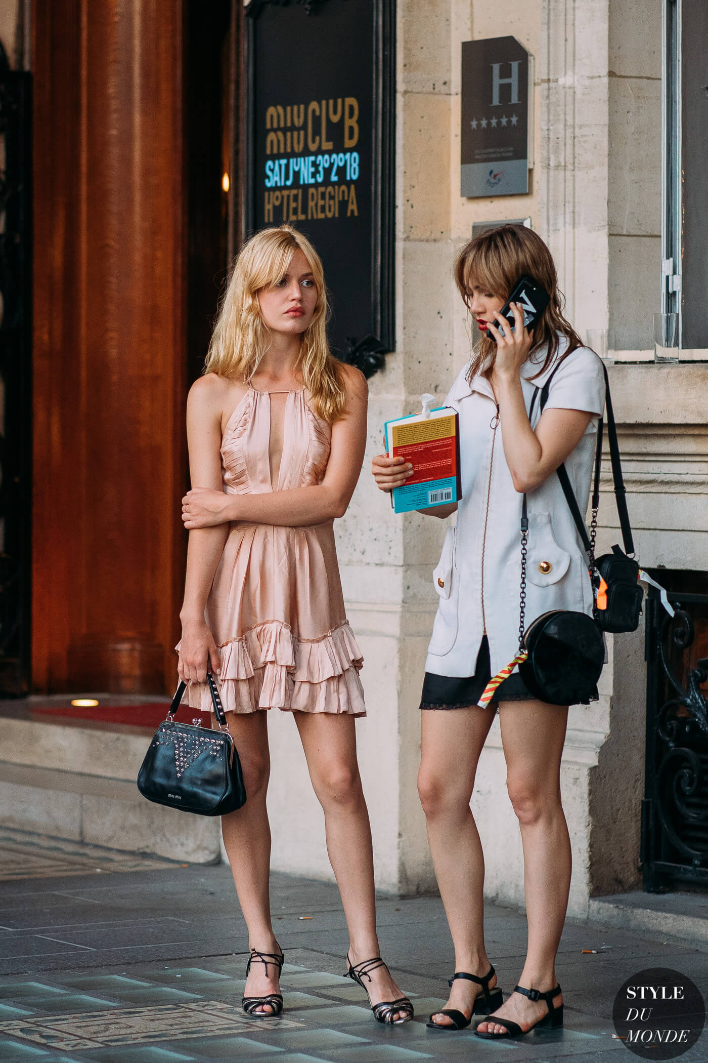 Georgia-May-Jagger-and-Suki-Waterhouse-by-STYLEDUMONDE-Street-Style-Fashion-Photography20180630_48A2728
