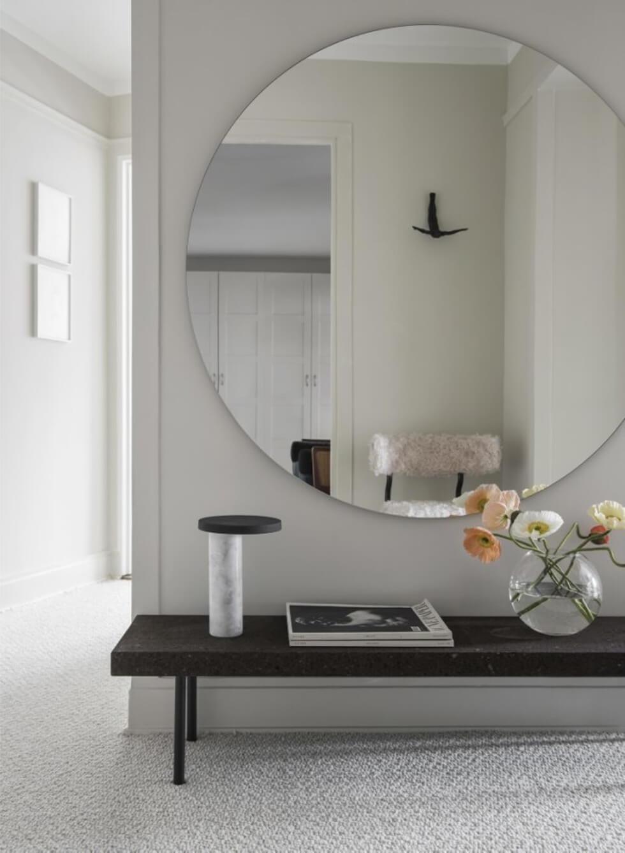 Stor-rund-spegel-utan-ram