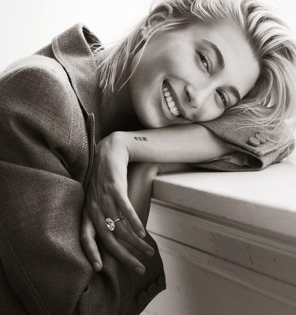 Hailey-Baldwin-Vogue-Mexico-September-2018-Bjorn-Iooss-3