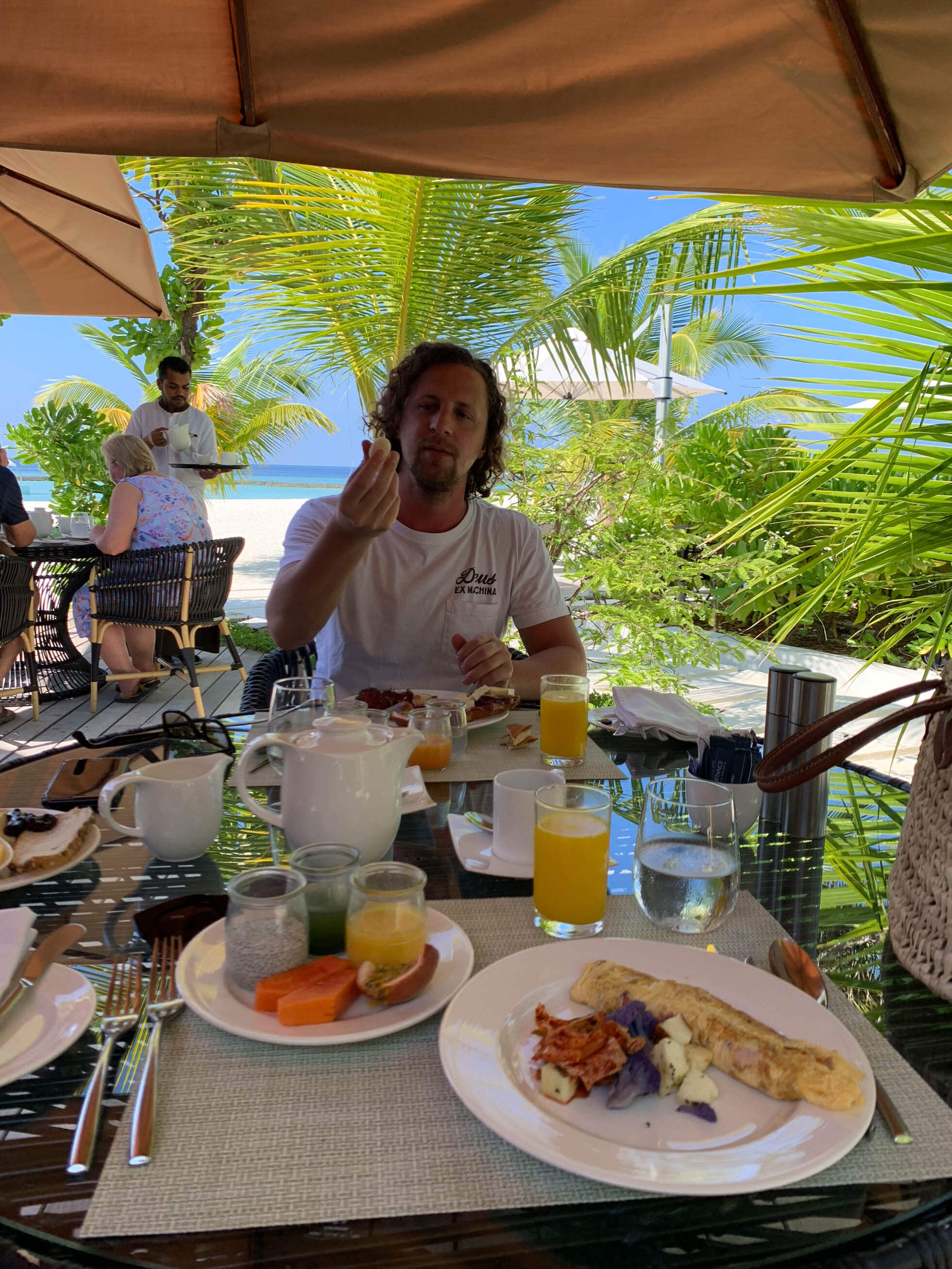 Maldiverna basta hotellet constance halaveli-39