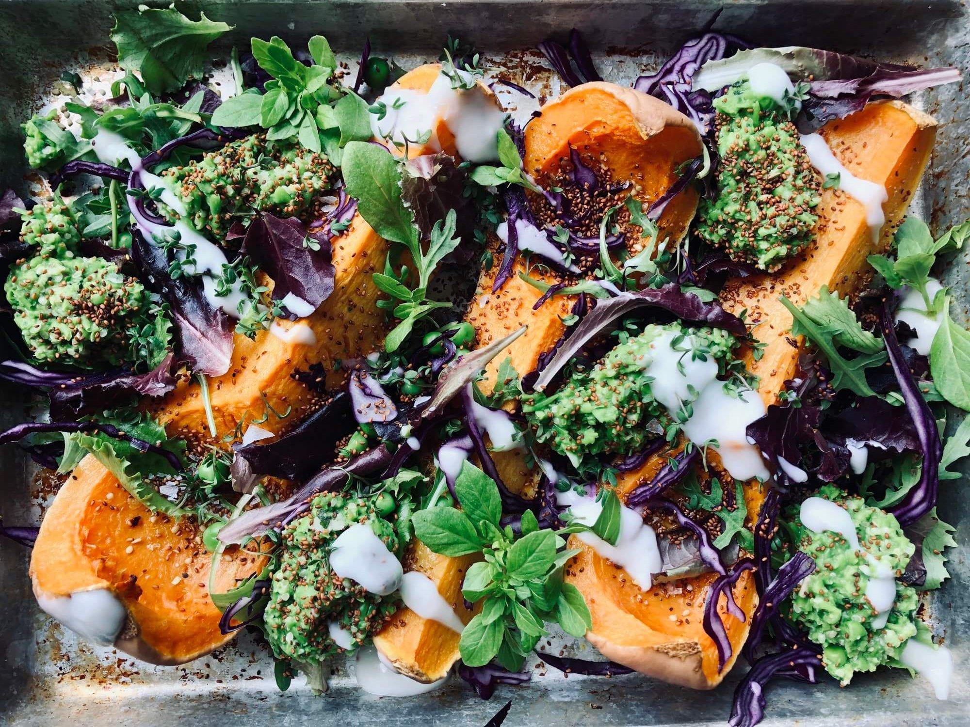 PlantbasedbyThess_Pumpkin-tray-with-peapesto