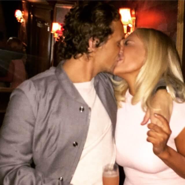 Chik Pussy Online Dating Sverige Chatrubat Algjakten